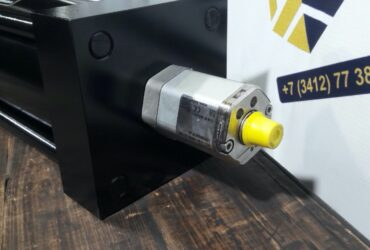 Гидроцилиндр с магнитострикционным датчиком