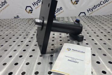 Hydraulic cylinder with a head flange, stroke 100